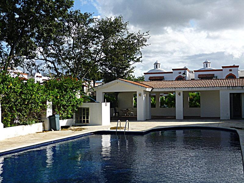 Private House in Gated Community with Pool