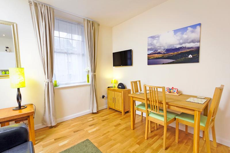 Living area and table for up to four people