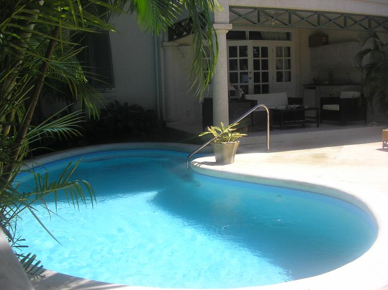 Seabreeze. Strictly private pool and terrace with outside living.