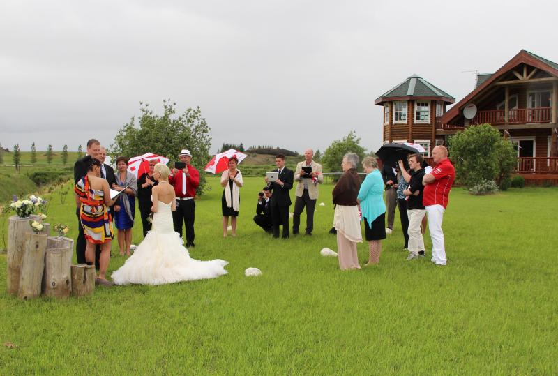 Summer wedding in Viking Villa