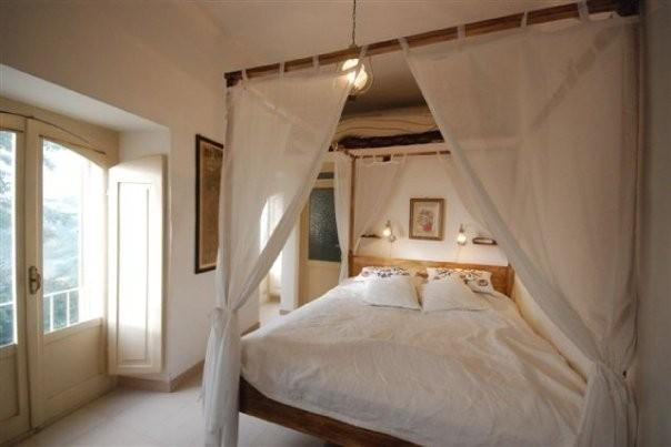 Over the bed there is a loft space with 120 cm good matress. A ladder takes you there.
