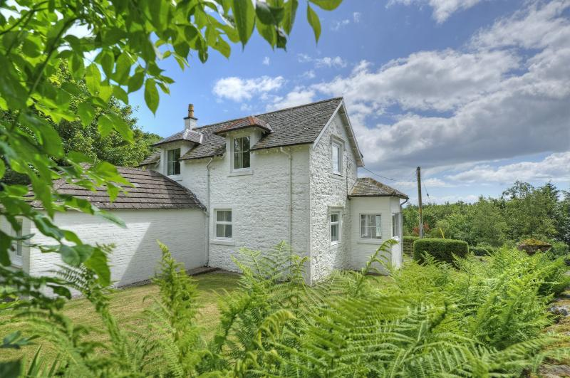 Cutlar's Lodge, a warm welcoming cottage with character. Fully enclosed dog friendly garden |