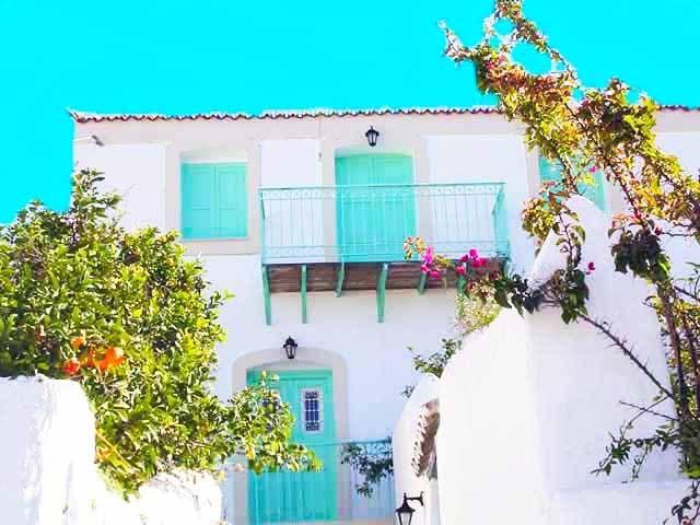 Azure Dream Beautiful Traditional Town House