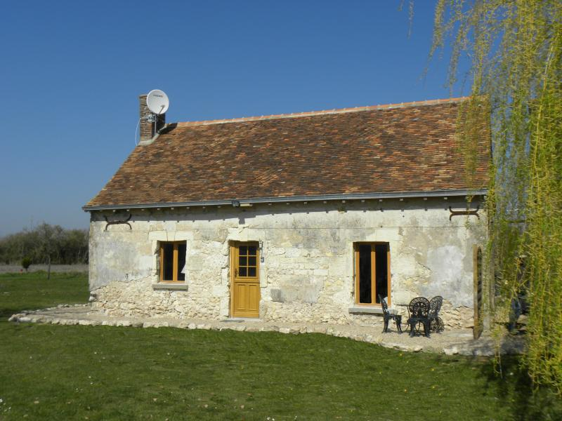 Welcome to Le Bûcheron - one bedroom Loire Valley cottage