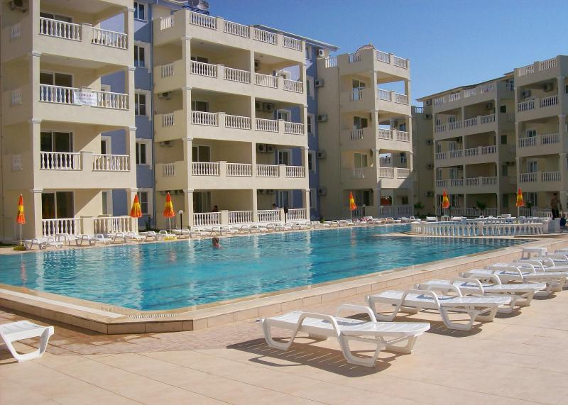 Royal Marina Complex-pool 1