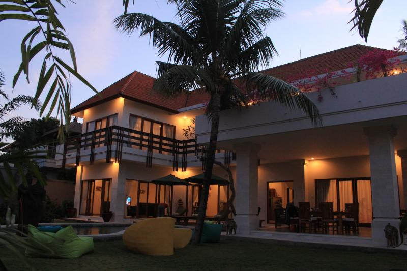 Villa Savana in Sanur Bali 4 Bedroom 'Executive Villa' with kids room