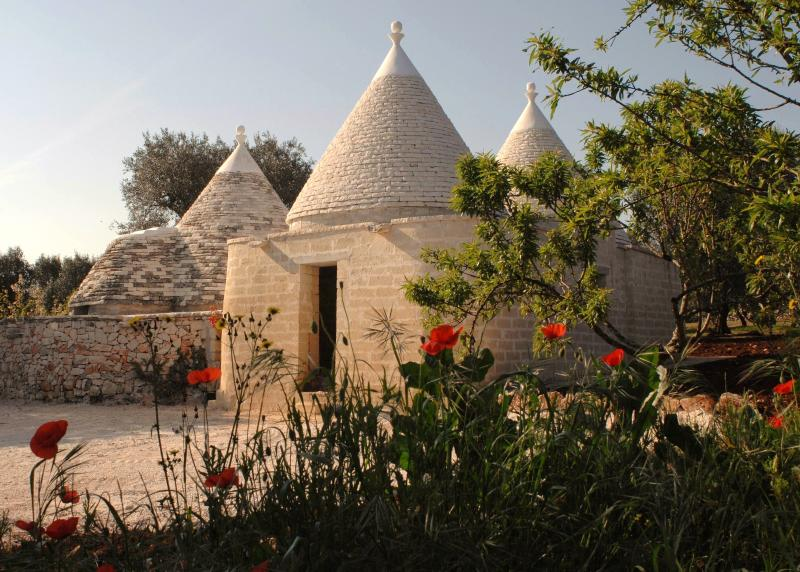 Trullo in springtime
