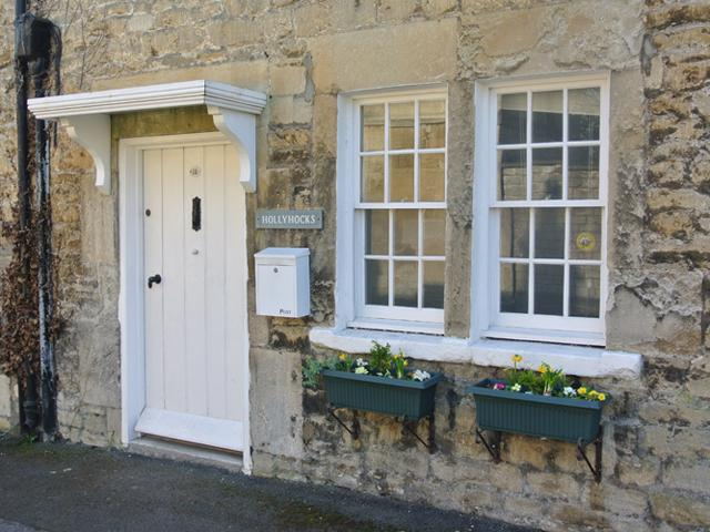Hollyhocks, a pretty two bedroom cottage in Bradford on Avon