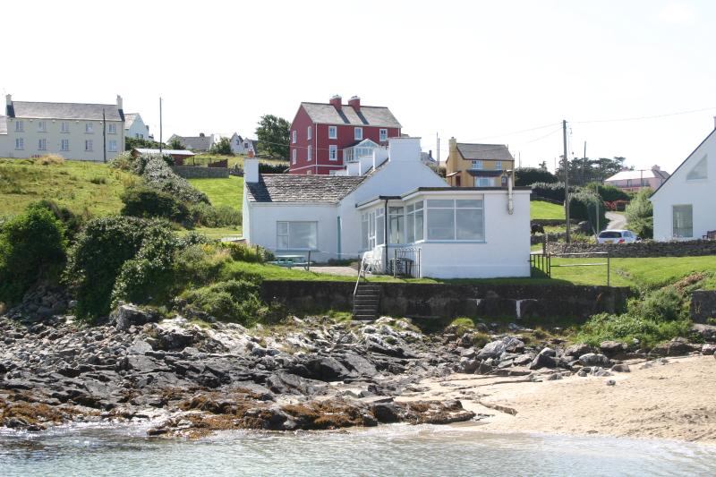 Harbour Cottage on the Beach