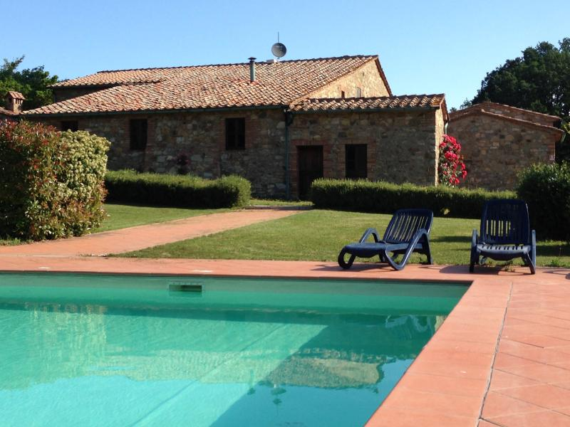 A swim in the sunshine at Agriturismo La Boscaglia
