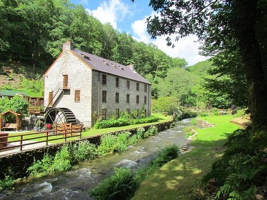 Godremamog Mill - 4 apartments, so lots of flexibility from couples to big family parties
