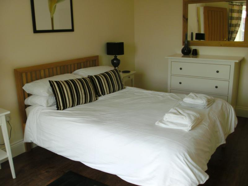 double bedroom with en suite