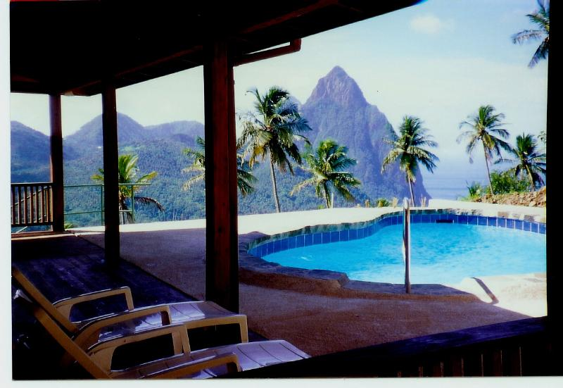 Rainbow Heights Villa with pool overlooking the Piton Mountains