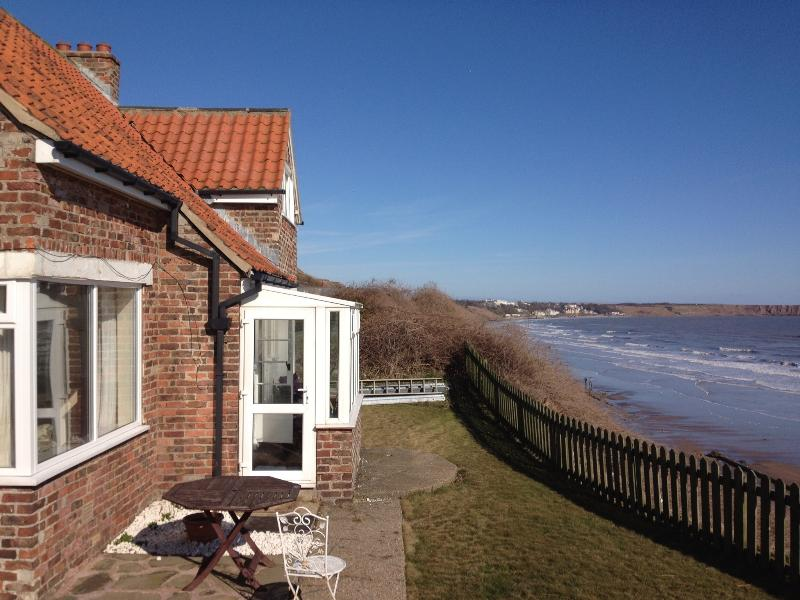 Beach Cottage - overlooking Filey Bay