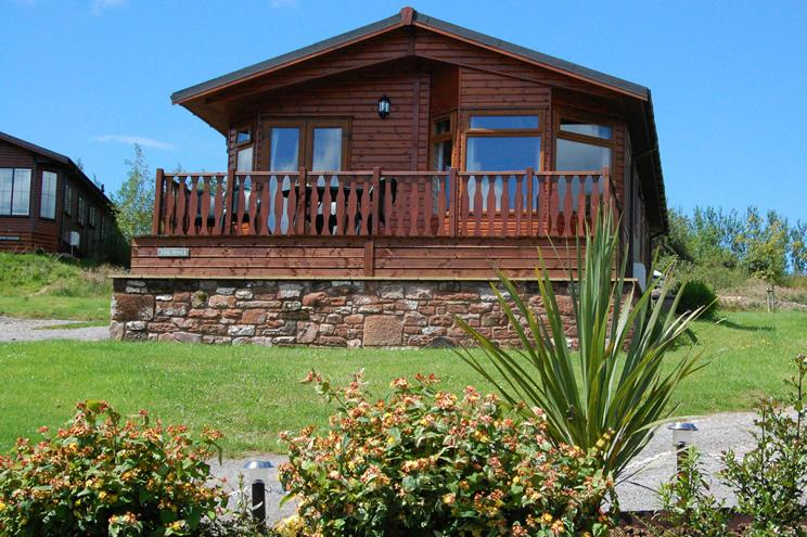 Pines Lodge, Luxurious Timber Holiday Lodge in the Lake District