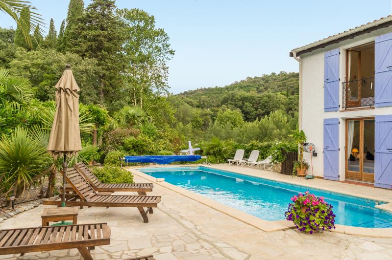 Charming Villa with south facing pool, surrounded by delightful spacious gardens and mountain views