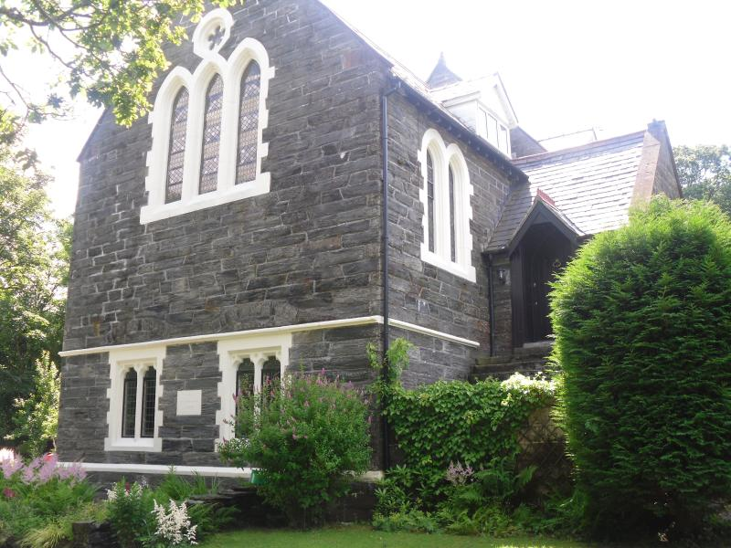Victoria Lodge, a spacious wonderfully converted church in the heart of snowdonia