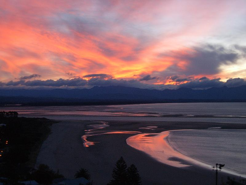 Sunset over Tahuanui Beach, imagine a glass of wine, the perfect view, paradise in the making.