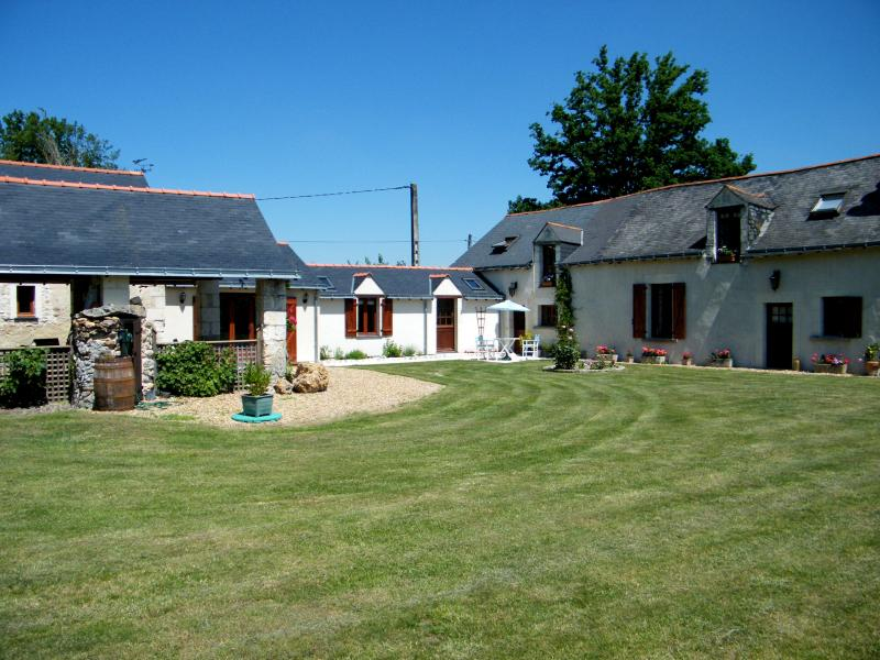 Anjou farmhouse in tranquil setting on the outskirts of a tiny village