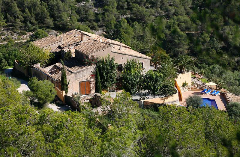 Beautiful, relaxing, country retreat only 15 minutes from beaches and buzz of Sitges