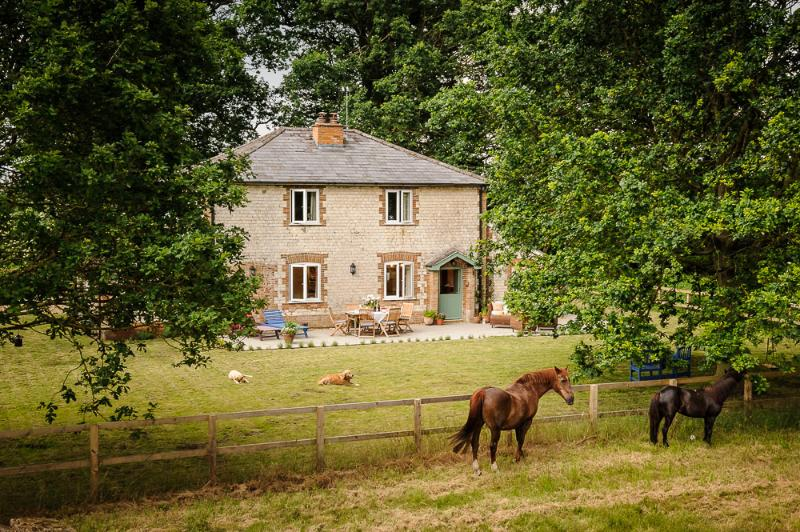 Oak Tree Cottage is set in the beautiful surroundings of the Breckland countryside.