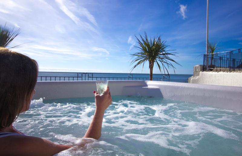 Relax with a complimentary glass of champagne in the Hot tub overlooking the Ocean