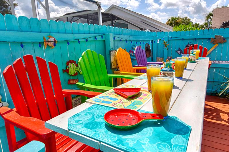 The kids will love eating at this colorful poolside dining deck!