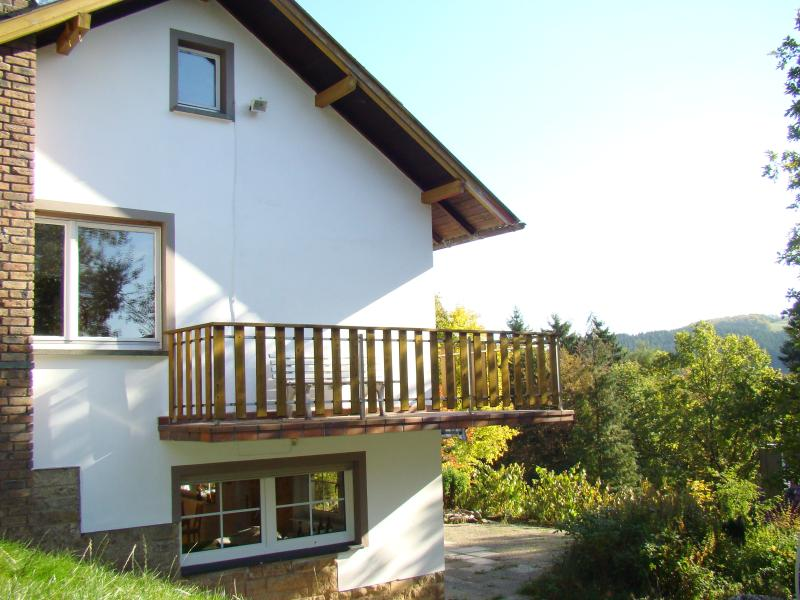 A cozy chalet on the hill with balcony and large garden