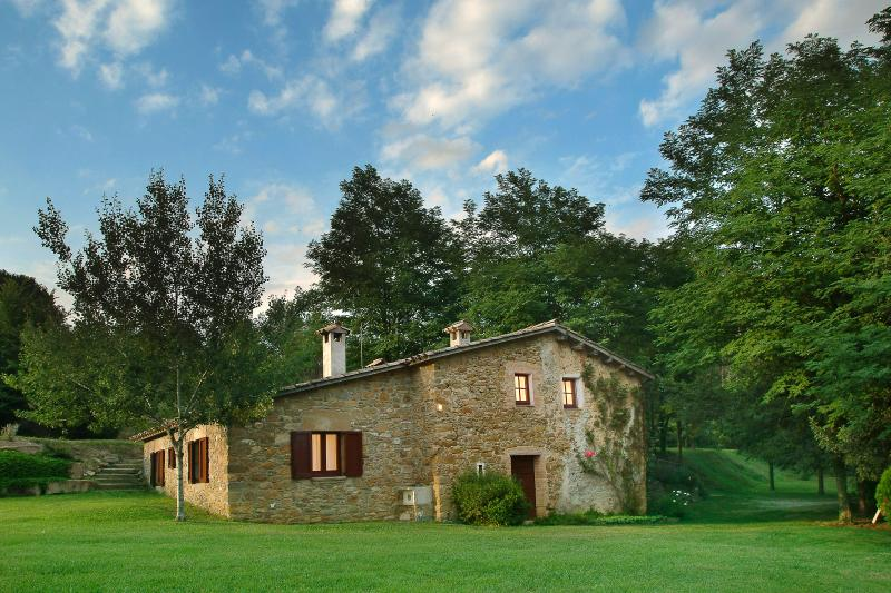 La Quintana and the garden (house surrounded by its own private garden)
