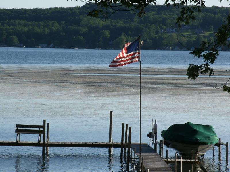 Access to 100 feet Lake front,Dock & boat slip provided,shared with owners only