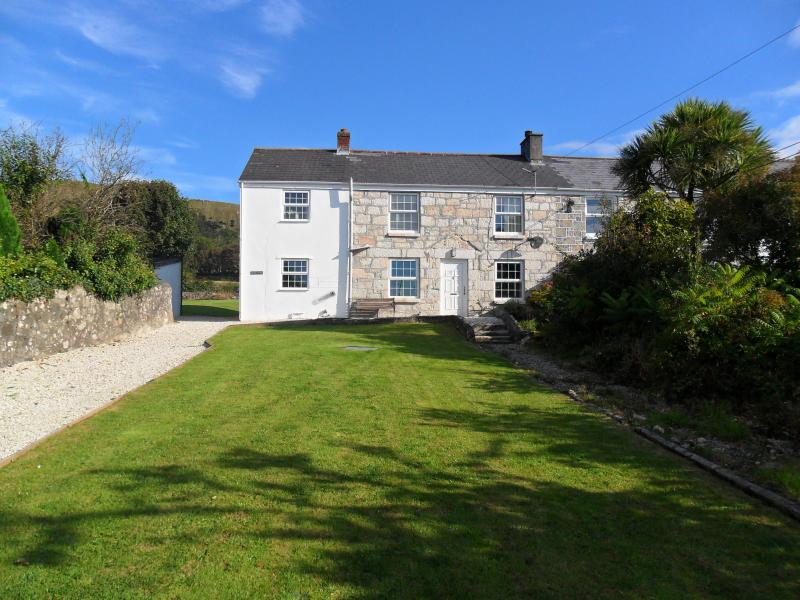 Holiday  Cottage, Lanjeth, St Austell Cornwall,Renovated, Period Cottage peaceful Village location