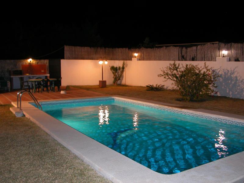 At night the swimming pool