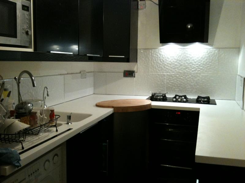 Recently refurbished high-spec kitchen (now has a colour coded high gloss washing machine