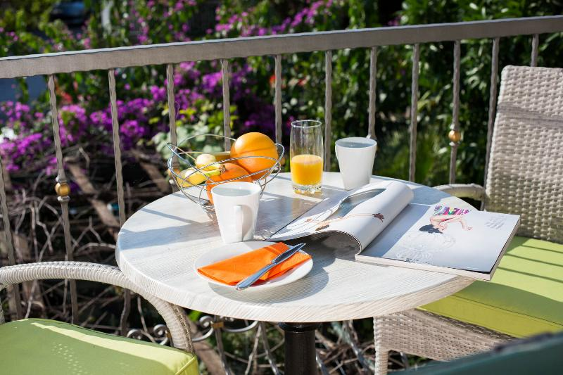 Breakfast in the balcony in front of the living room