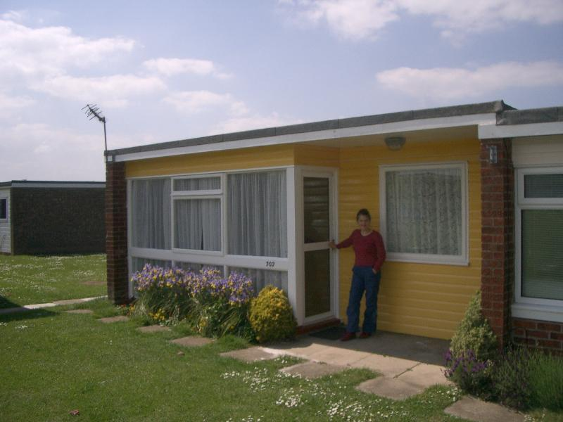 Hi, I'm Diana, welcome to chalet 302 at Sundowner Park in Hemsby.