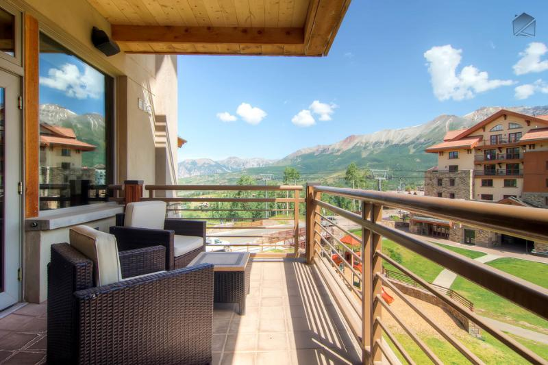 You've got mountains and blue skies galore from your deck.