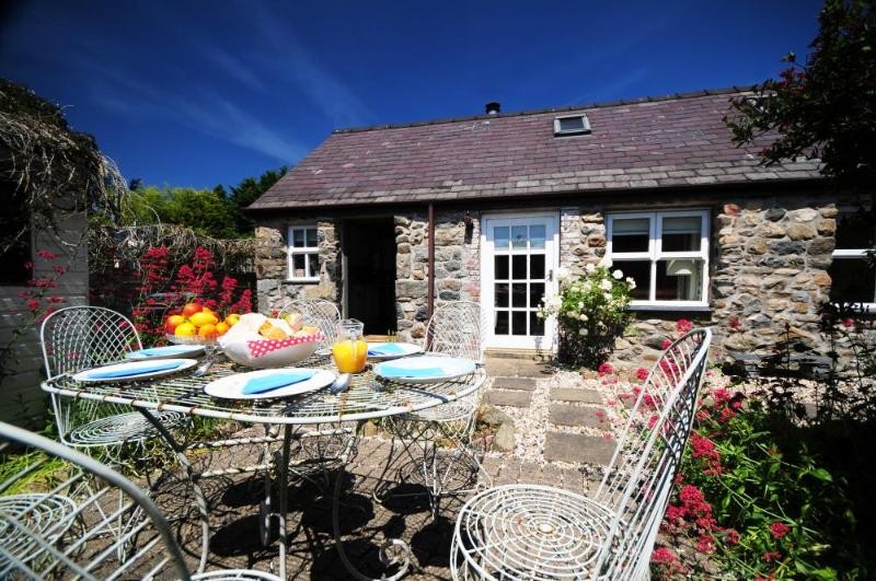 Ancient Welsh Cottage holiday home on the Lleyn Peninsula