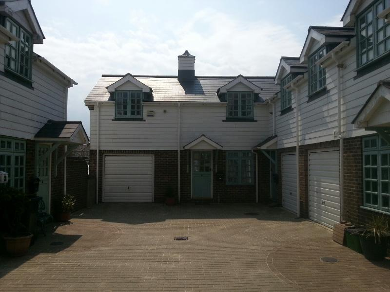 Bo's Holiday Cottage Eastbourne