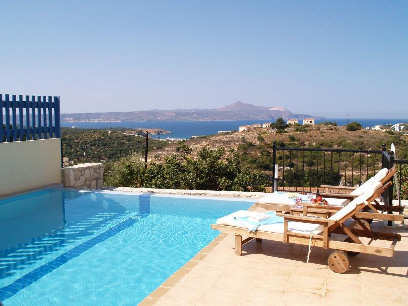 Villa Orocco Infinity Pool and Sea View