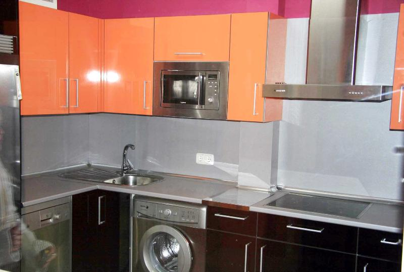 kitchen equipped. Includes washing machine and dishwasher
