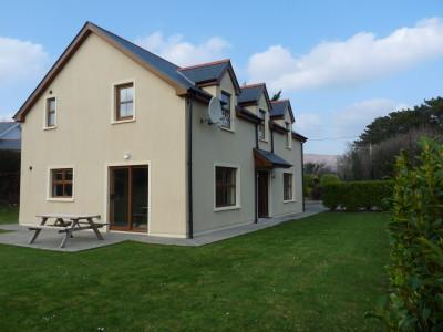 Lower Paddock, Kilcrohane - WIFI, 4 bed, 4 bath detached property with sea view and large garden