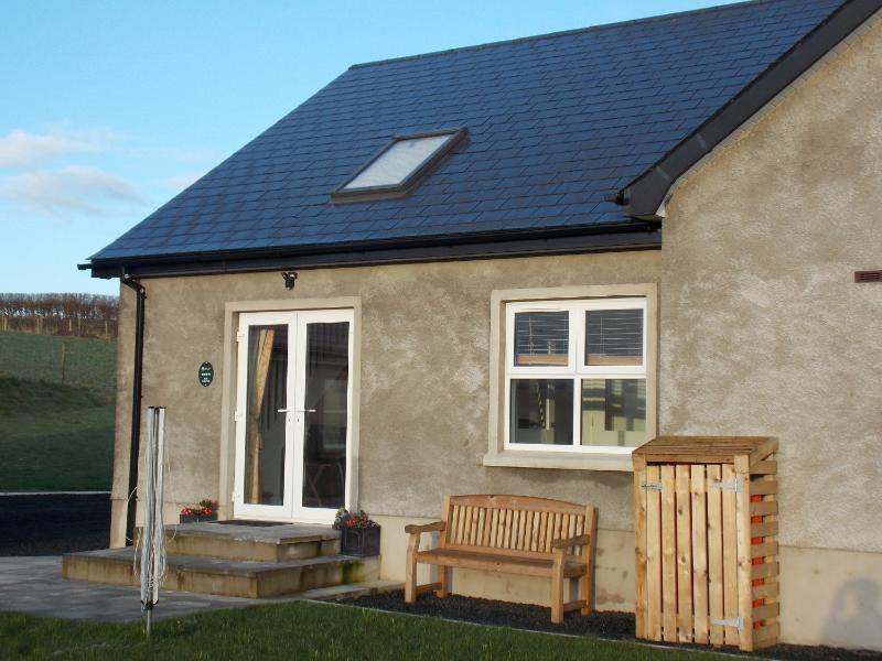 Meadow Cottage is set in open countryside with far reaching views towards the Giant's Causeway.