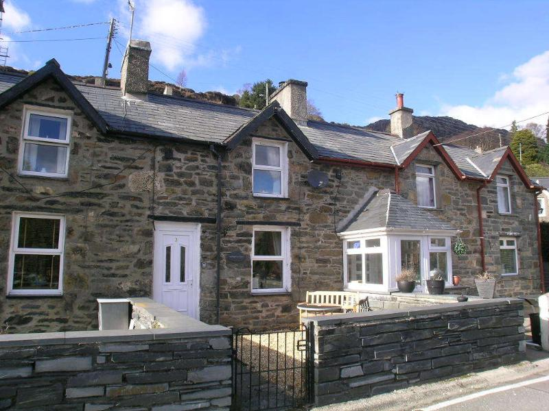 Bwthyn Ger Afon (Riverplace Cottage) - Ffestiniog Holiday Cottages