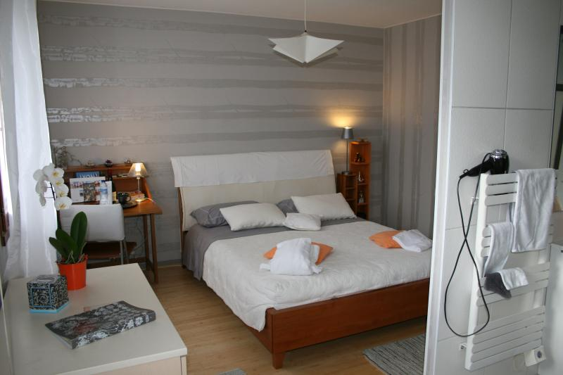 Room DIANE with spacious bed - room suite - hotel services offered - WIFI