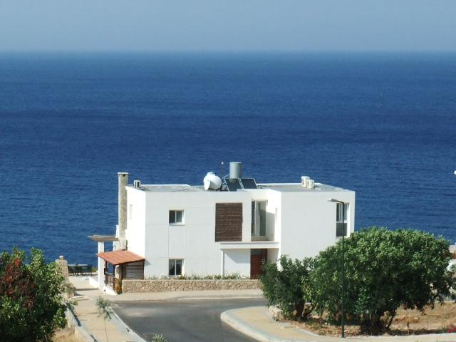Want a great sea view whilst lying in bed from all 3 Double bedrooms?