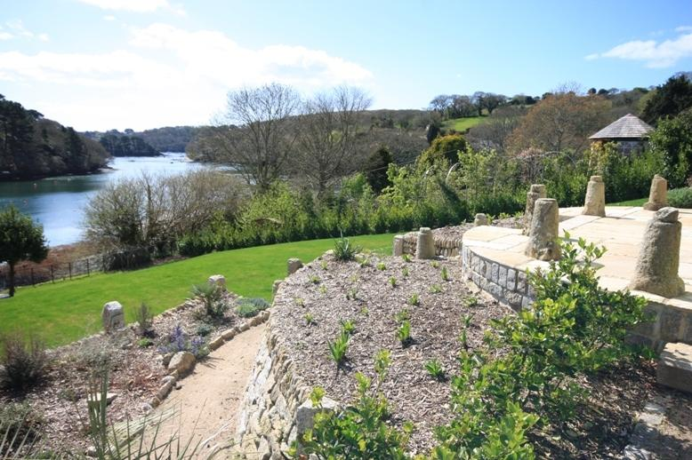 The Foreshore - garden and view