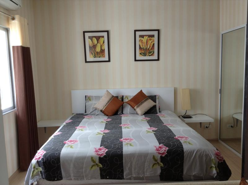 Bedroom , Solf and Comfortable Q bed