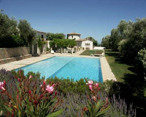FROM THE SWIMMING POOL TO THE VILLA TOUR DE LA ROSE