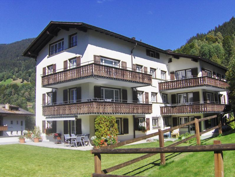 The sunny holiday apartments Trepp are in a quiet and central location in Klosters Dorf