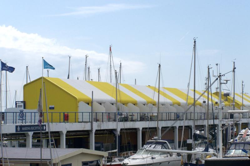 The holiday homes which are located on the floating concourse